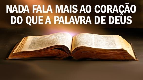 A palavra de Deus é a ferramenta de comunicação perfeita. Ao compartilhar sua fé, conhecer alguns versículos realmente ajuda.